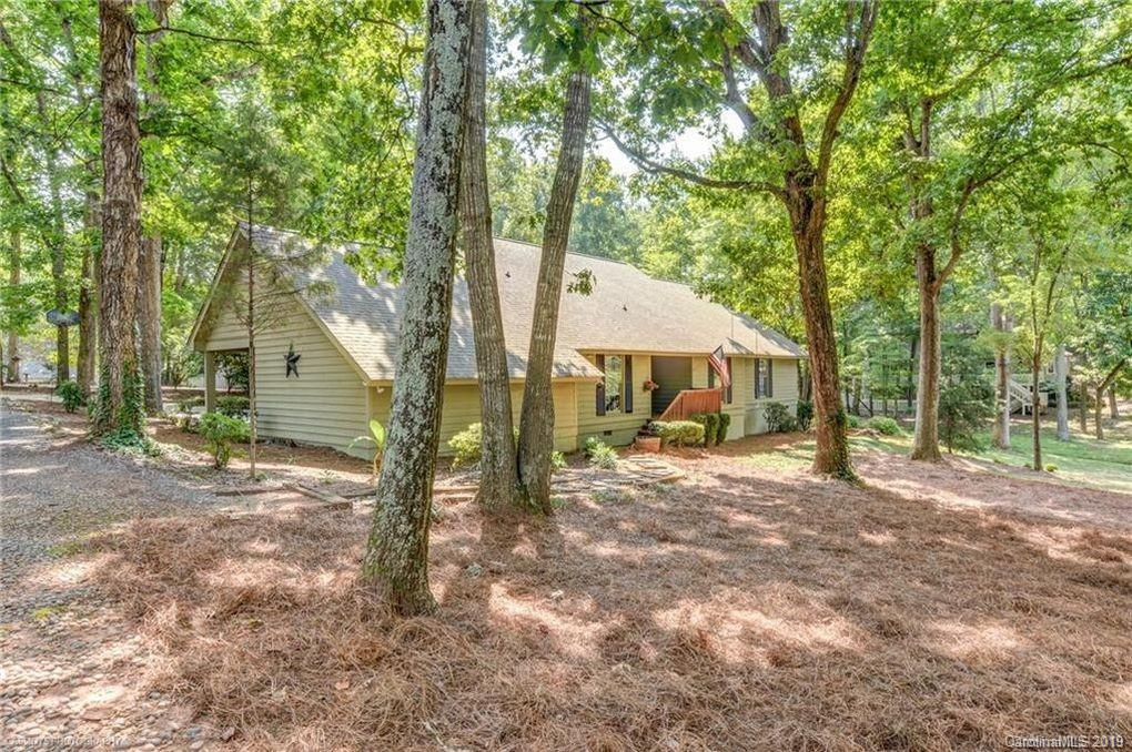 Property for sale at 6 Hamiltons Ferry Road, Clover,  South Carolina 29710