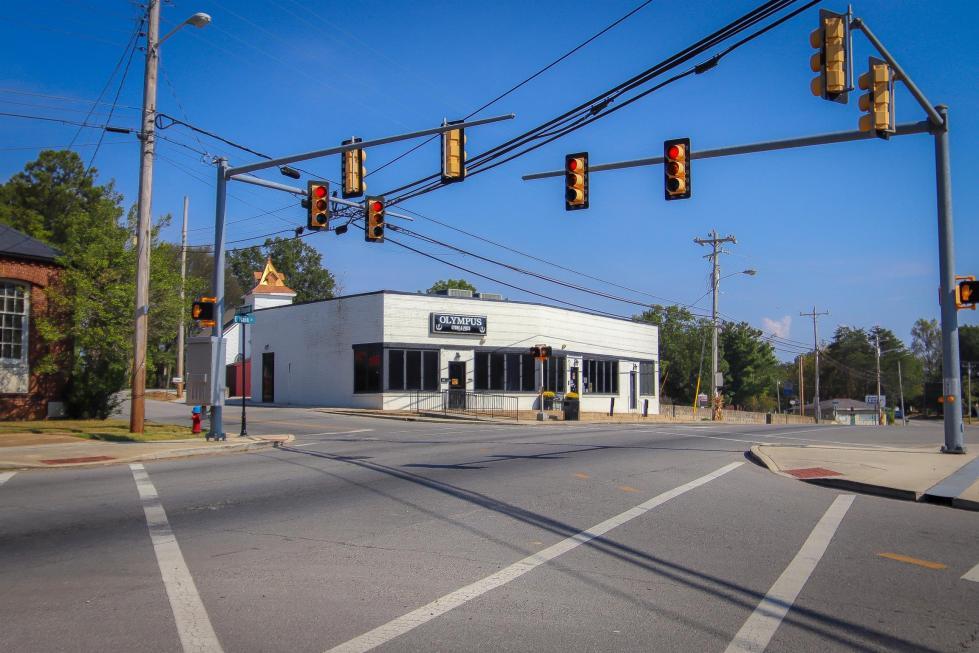 405 Main St