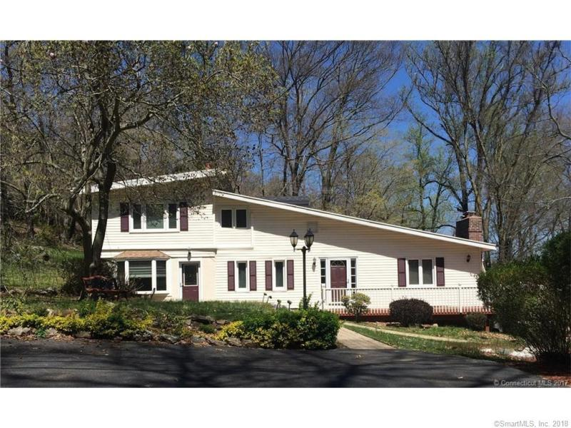 Homes in North Branford With Inlaw Suite   BROWSE NOW  15 West Pond Road
