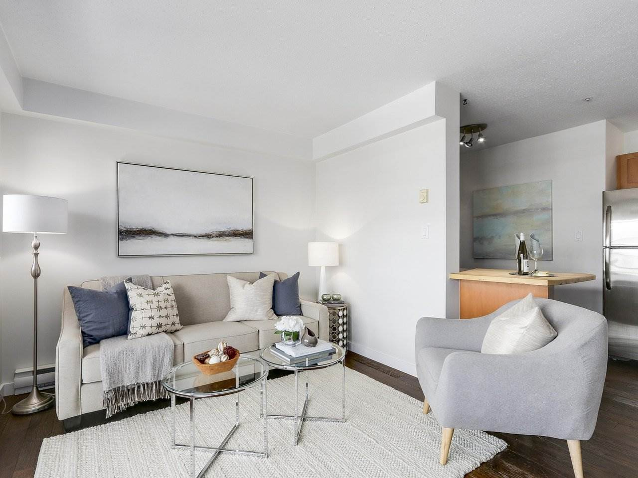 """Main Photo: 102 3788 W 10TH Avenue in Vancouver: Point Grey Condo for sale in """"The Grey Point"""" (Vancouver West)  : MLS(r) # R2169435"""