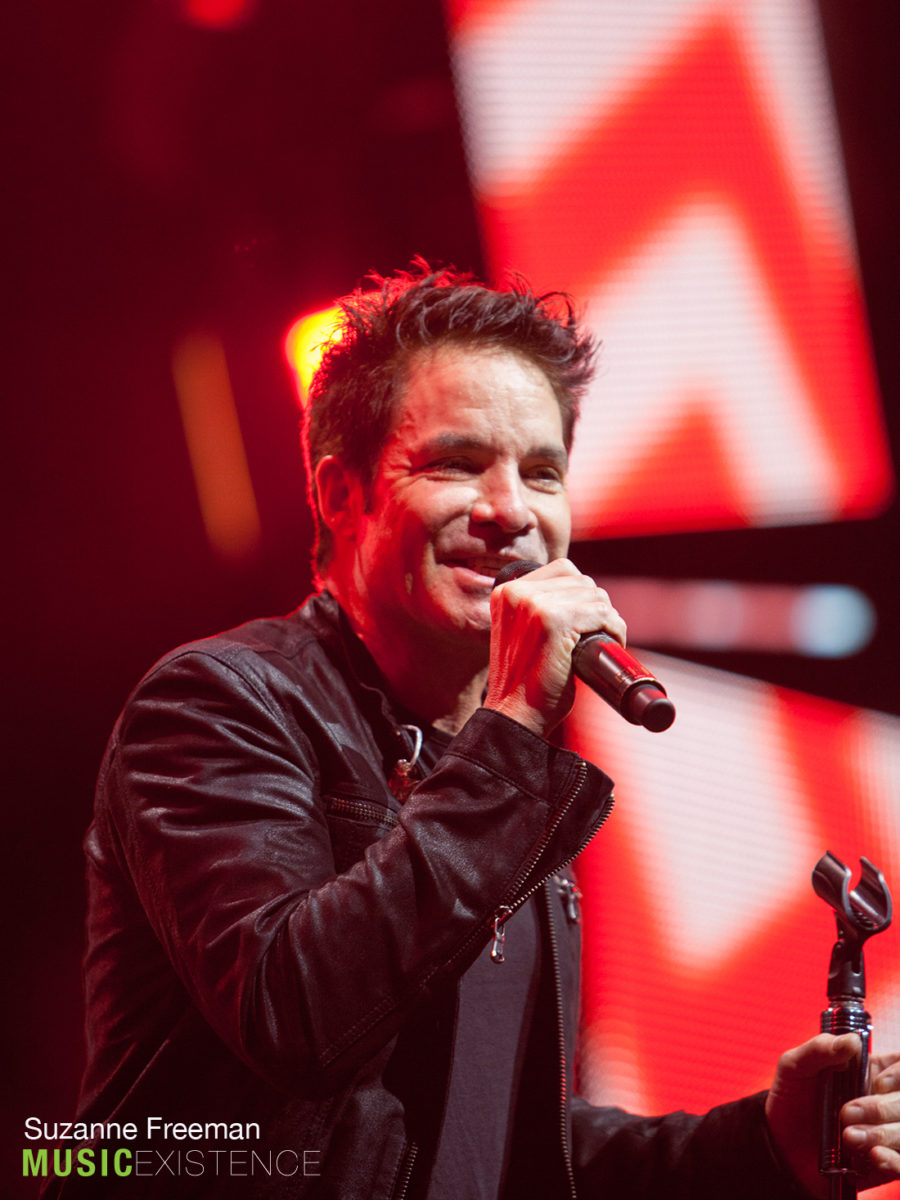 Pat Monahan of Train, singing
