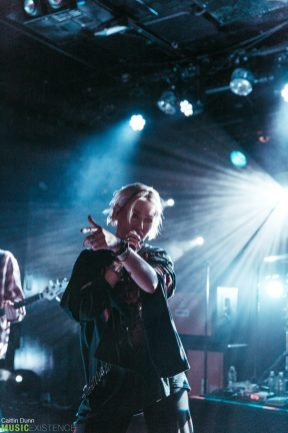 Tonight-Alive-12