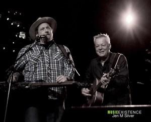 Jerry-Douglas-and-Tommy-Emmanuel10