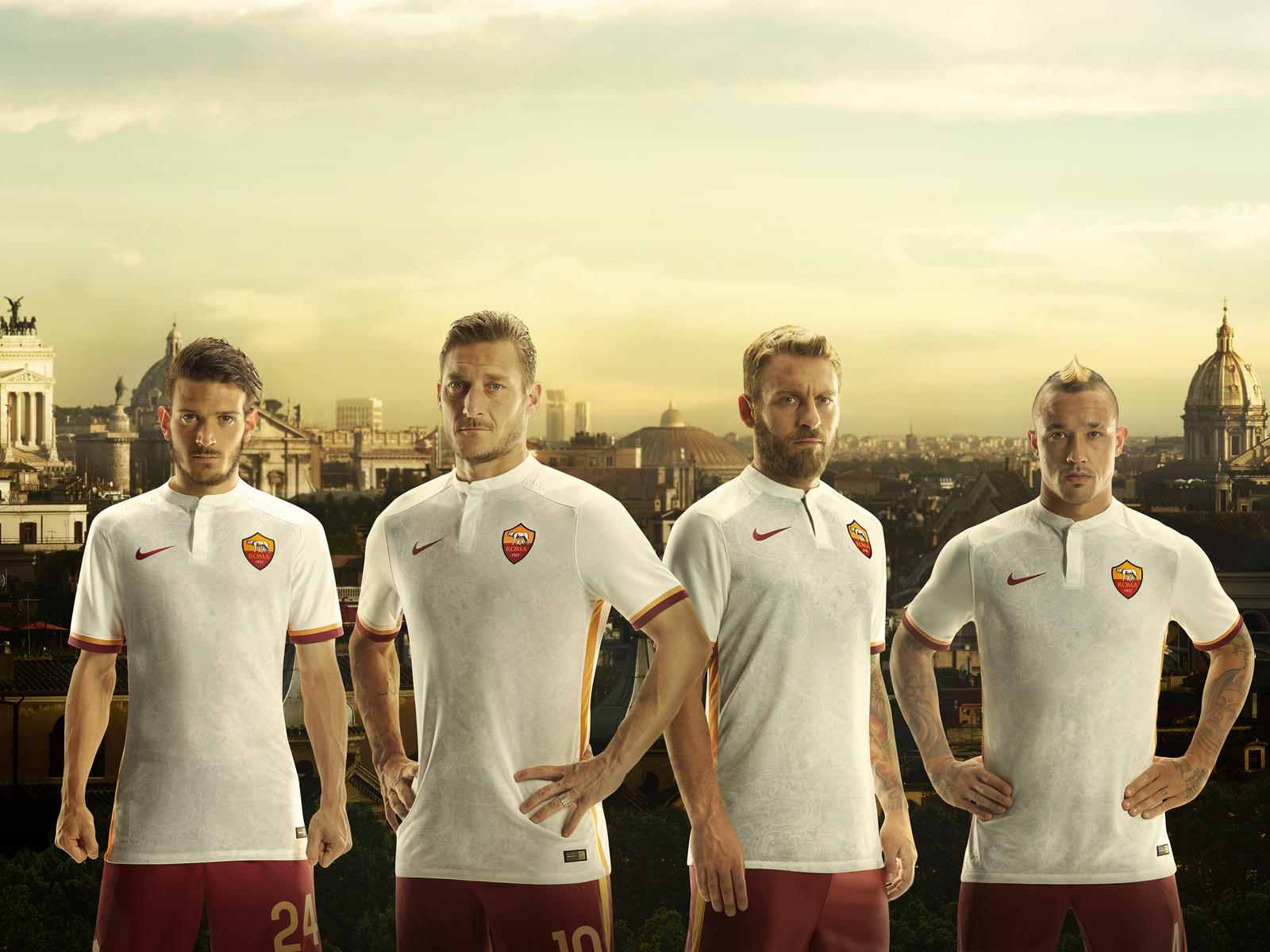 official photos 440ef bfed2 AS ROMA AND CITY OF ROME UNITE IN NEW NIKE AWAY KIT FOR 2015 ...