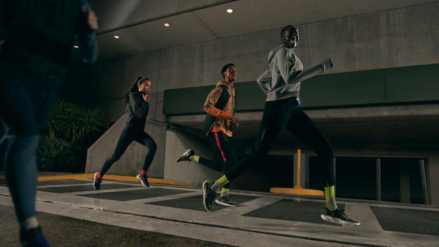 Nikenews running ho19 product editorial rn winterprotection jb 0879 hd 1600