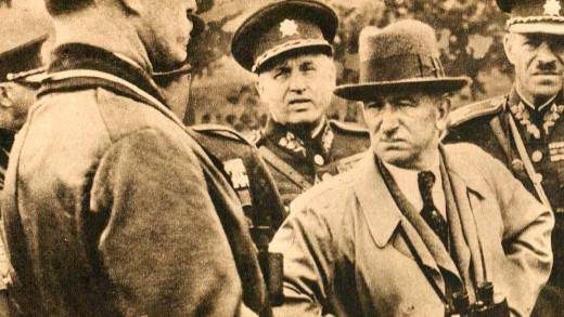Czech Pres, Benes and troops - 1938