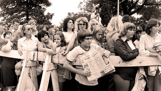 Elvis Mourners - August 17, 1977