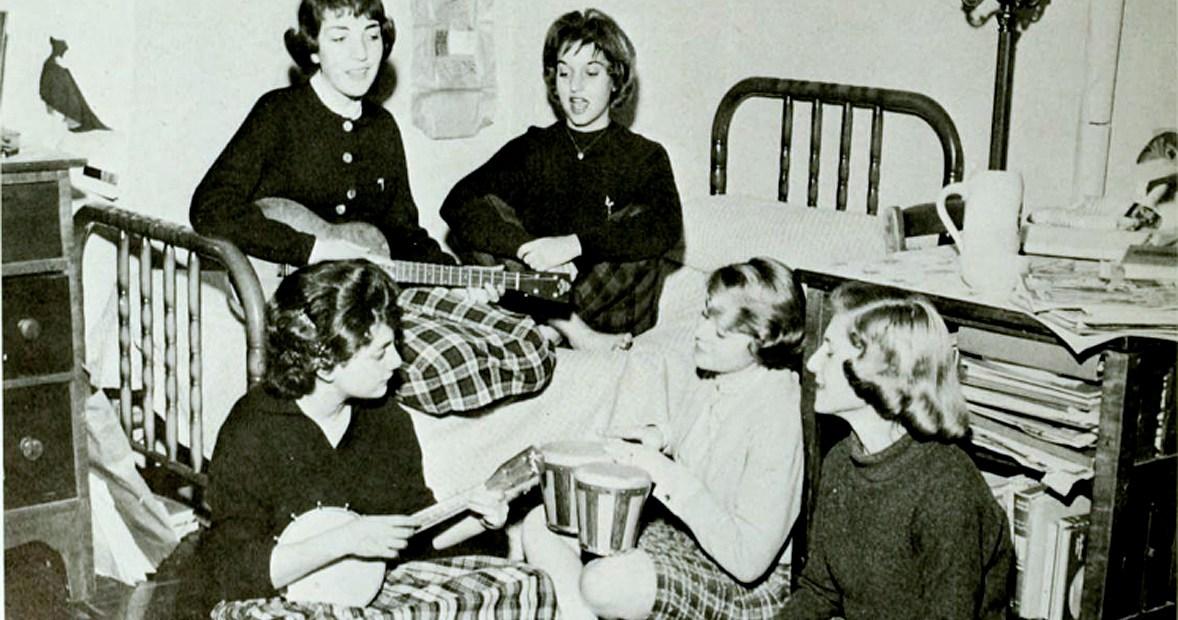 1960 College Dorm Room Musicale