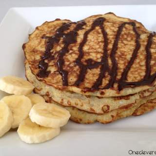 5-Minutes Banana & Egg Pancakes With Homemade Chocolate Syrup