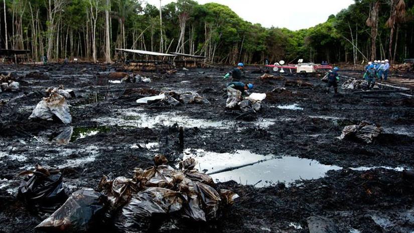 Cerca de 300 personas realizan las labores de limpieza de la quebrada  cercana al río Chiriaco.