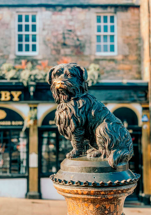 The statue of Greyfriar's Bobby in Edinburgh