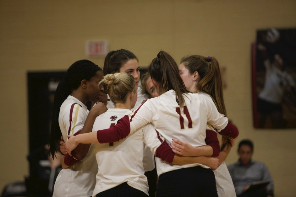 Eagles Fall to Syracuse in Five Set Thriller