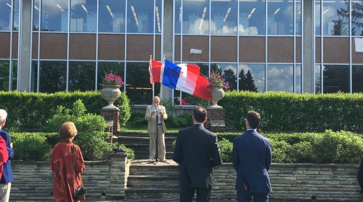 Une cérémonie a marqué le cinquantième anniversaire de la relation entre le Collège Glendon et la France Crédit image: Étienne Fortin-Gauthier