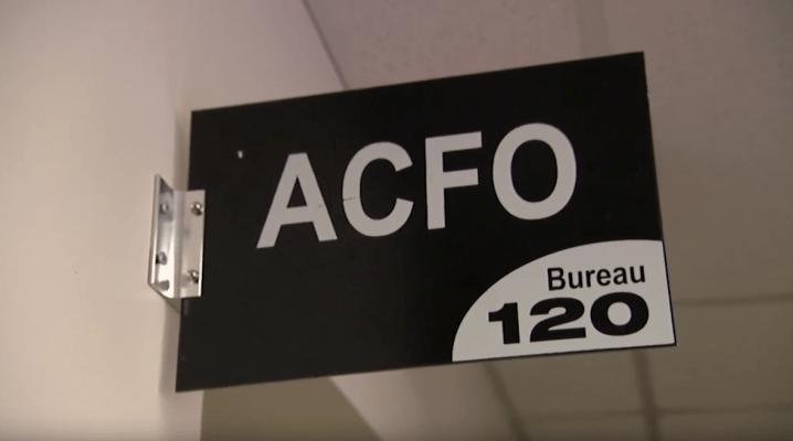 L'image montre une pancarte de l'ACFO de Stormont, Dundas et Glengarry.