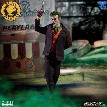 Mezco-Joker-15