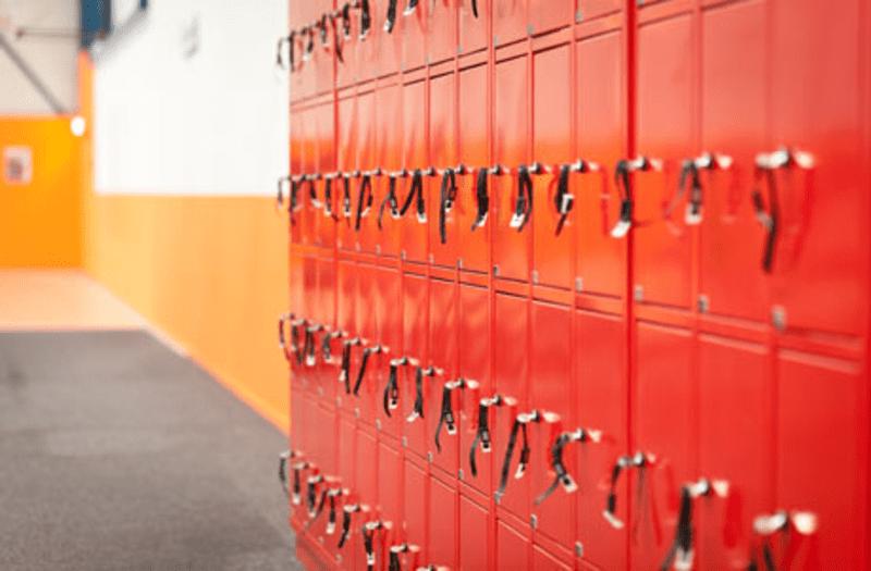 Afbeeldingsresultaat voor sportschool kluisje