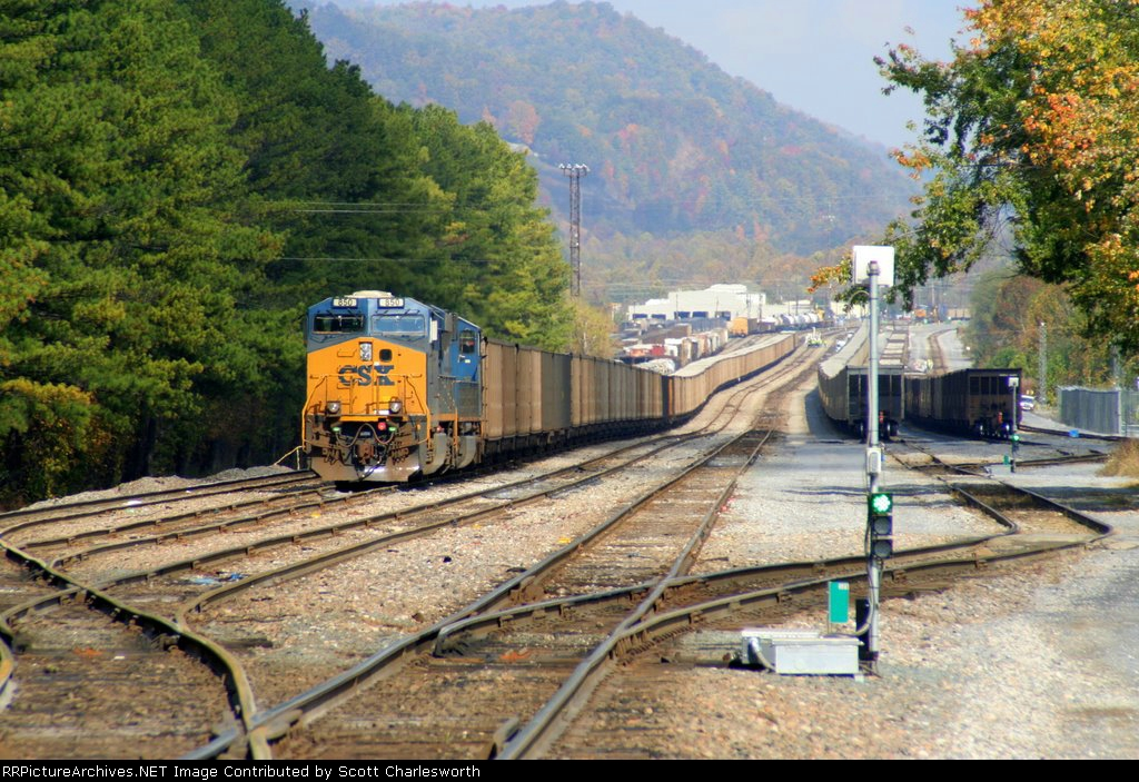 CSX 850 load coal south end Erwin yard