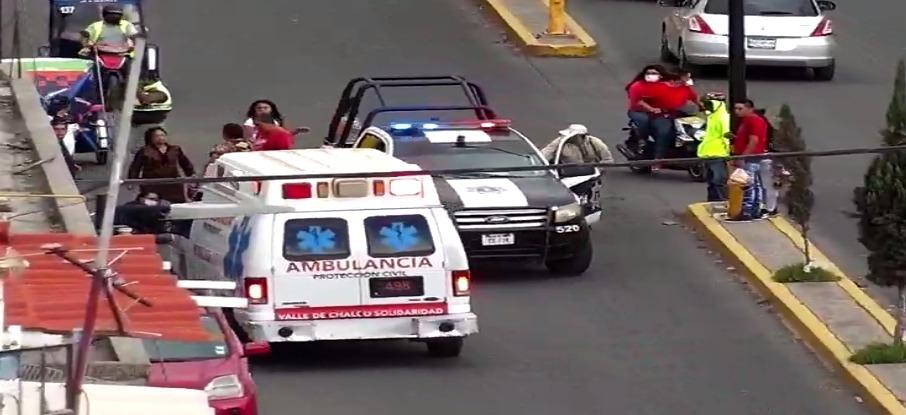VIDEO: AUTOMOVILISTA ATROPELLA A UNA MUJER Y DOS MENORES E INTENTA DARSE A LA FUGA