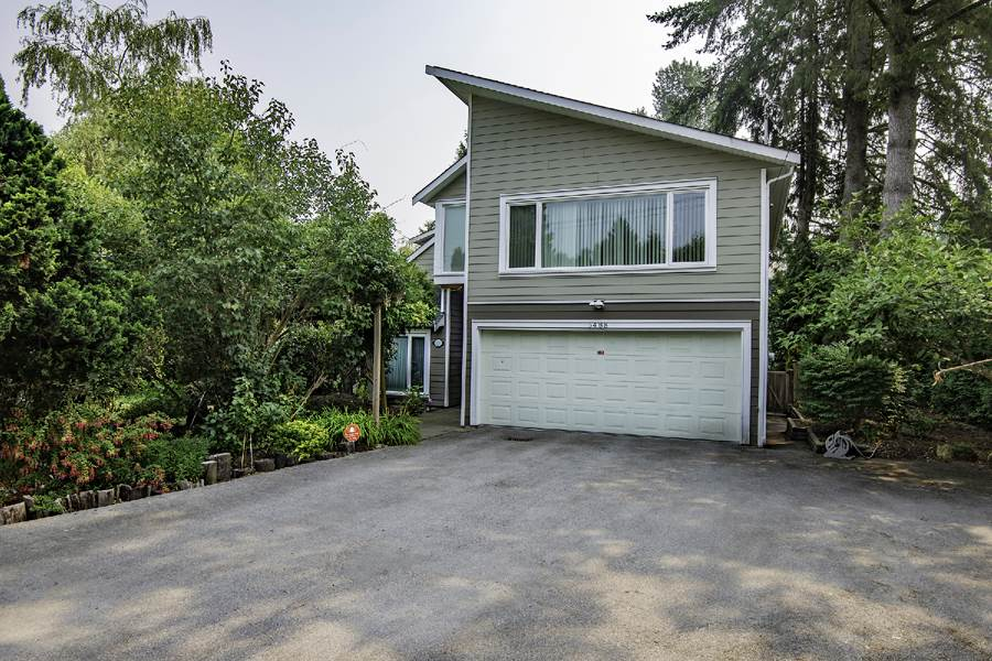 Lovely home in prestige Deer Lake area. This house with a huge lot (13120 SF) was 95% rebuilt in 2010 except the ceiling in the living rooma nd the fire place. Seller kept the original foundation due to the Bylaw. High-end material and high quality finishing. Granite counter-top in kitchen, marble bathroom counter-top, engineering hardwood floor, rough-in fish tank in family room. Air-conditioning, air exchanger & heat recovery. Steps to Deer Lake. Close to Buckingham Elementary and Burnaby Central Secondary.
