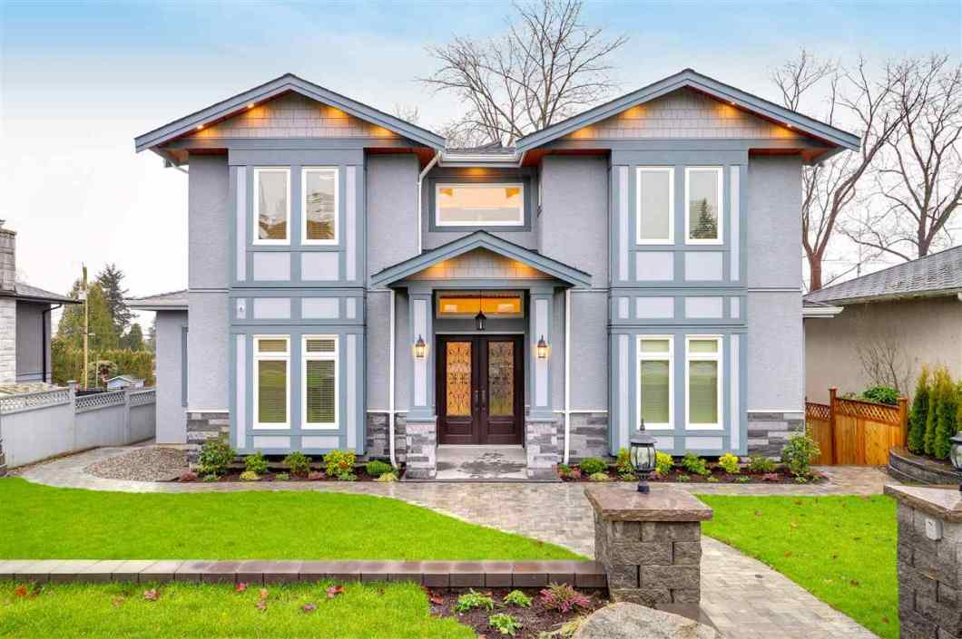 A luxurious, custom crafted home w/ metrotow on the South & ideally positioned near Aubrey Elementary & . Home of 4318 sqft on an ideal 60x120 lot with rear lane generously proportioned and its layout flexible to suit your needs. Open-Concept home boasts many desirable features: 8 bedrooms, 8 bathrms, 9 ft ceilings, hardwood flrs, crystal lighting, vast storage, gorgeous decorative paint, gourmet kitchen, granite counters, a/c, HRV Automation, Security system w/cameras & double garage,  5-10 minutes to Shopping center and SFU. A masterpiece of a home, a dream come true for those accustomed to the best quality in design and lifes.