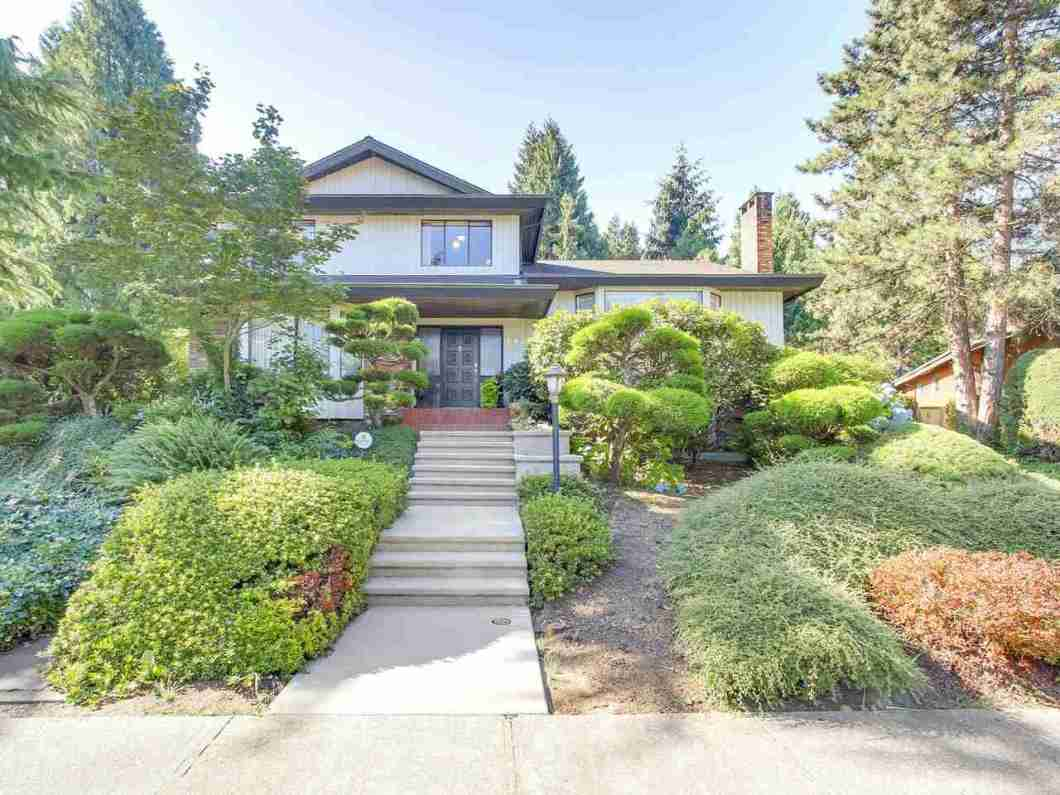Welcome to prestigious Buckingham Heights. This huge 13,929 sqft CORNER lot home is located on high side of the street with SOUTHERN exposure backyard. Newer hardwood flooring , furnace, ensuite bathroom and roof. Close to Deer Lake, Metropolis Mall, all level of schools ,  Crystal Mall, and Hwy 1.   Purchase to live in or build your dream house.  Don?t miss out !