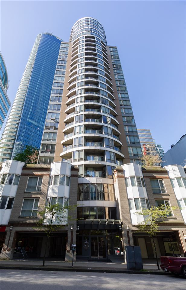 Prestigious Coal Harbour 1,000 SQ FT unit located Downtown Vancouver. Spacious, open concept floor plan with wall to wall windows for maximum natural light. 2 bed + 2 bath,  solarium/den, 9 foot ceilings. Renovated S/S appliances, engineered hardwood flooring, in-unit A/C, granite countertops. Oversized 200 SQ FT (approx) deck from the living room with sprawling city views! World-class amenities, shops and transportation located all at your doorstep: Seawall, Stanley Park, Marina, Canada Place, Robson Street, Burrard Skytrain Station. Must see, schedule a showing today!