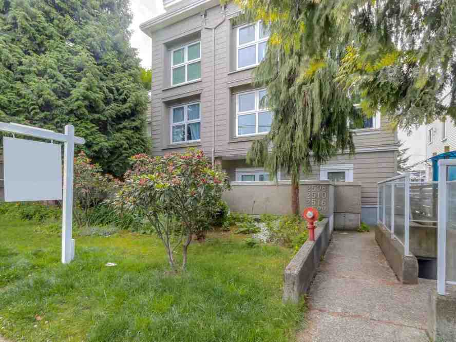 2 level private townhouse in Kits! Large 1 bedroom with 1.5 baths. Home is located on the South (quiet) side of the complex away from the street.  Main floor features 1 large bedroom, 4 pc master bath, HUGE walk-in closet, 2 pc powder room. Upstairs contains an updated kitchen with s/s appliances, dining and living rooms, gas f/p and is bright and sunny.  Fully rainscreened building, hardi plank siding and new windows. 1 Parking, 1 Storage (CP). 1 dog or 1 cat. Rentals ok, great for investors too. A short walk to the best of Kitsilano including 4th Ave shops, restaurants, amenities. 5 block walk to world-famous Kits beach and outdoor pool! Best location in Vancouver. Great place for a dog lover! Direct bus to UBC (less than 20mins travel time). OPEN SUNDAY (26th) 2-4pm