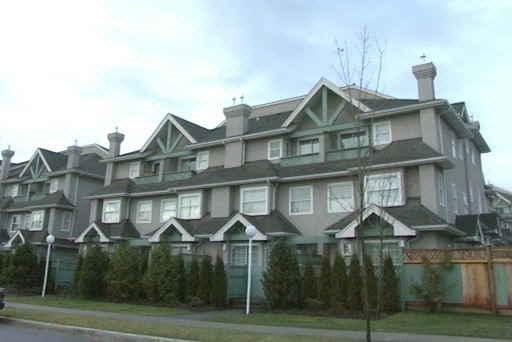 Rarely available bright 2.5 levels 3 bedroom 2.5 bathroom corner townhome facing South on quiet 17th Ave with extra parking right out front! Gas fireplace with kitchen & half bath on ground floor with fenced front yard 2 bedrooms on 2/F with full bath. Master ensuite on top with den like space and a Juliette balcony! 1 parking & 1 locker with low strata fee Steps to skytrain station and shoppings on Kingsway & Edmonds  public library & Save-On Foods.