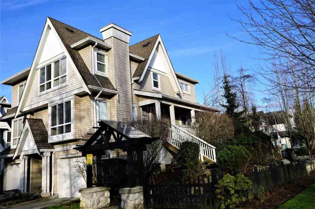 Rarely available 3 bedroom DUPLEX style townhouse (only two homes in this building!) in great location, walking distance to Highgate shopping mall, Edmonds Skytrain station and bus terminal, 5 minute ride to Metrotown, 20 minutes to Vancouver Downtown, close to parks, trails and great schools. Built by Adera, featuring a spacious two car garage with plenty of storage space. Main floor offers living room with gas fireplace, dining area and spacious kitchen with an access to veranda and fenced private backyard. Upstairs has 3 bedrooms and ensuite bathroom.