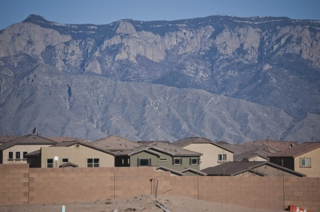 Loose sand and construction debris fill empty lots along the westernmost edge of the Loma Colorado development in Rio Rancho. Photo by Margaret Wright