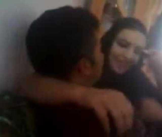 Karachi Pathan Girl Hot Kissing