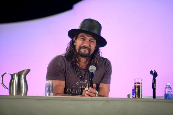 Jason Momoa speaking at Phoenix Comicon in May 2015. The Game of Thrones star plays--- on the netflix original series Frontier. GAGE SKIDMORE/FLICKR VIA CC BY-SA 2.0