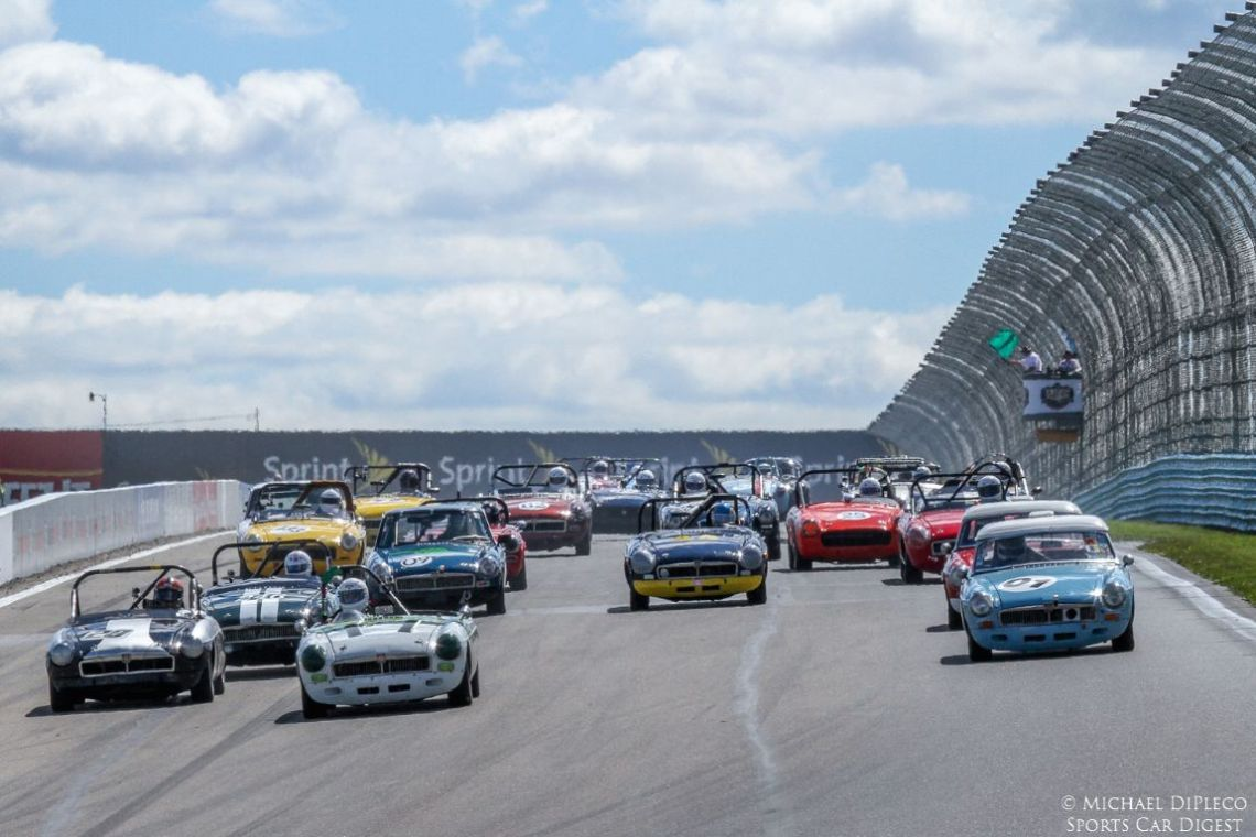 Start of the Thornley Cup Races (photo: Wayne Kessler)