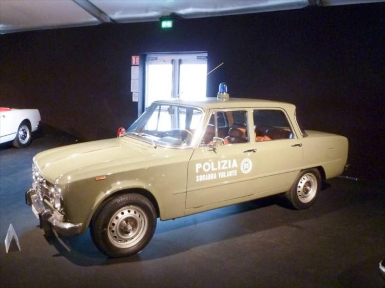 1966 Alfa Romeo Giulia Super 4-Dr. Sedan Polizia