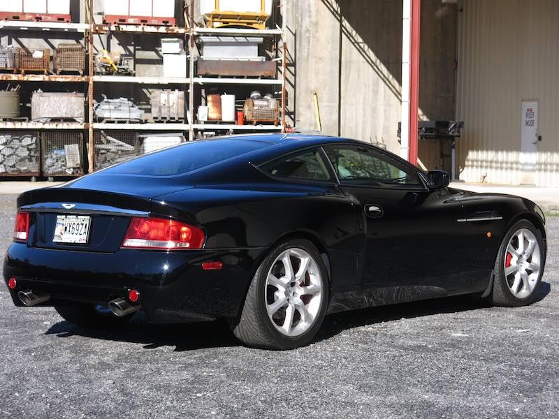 Look To The Future Aston Martin Vanquish V - 2004 aston martin vanquish