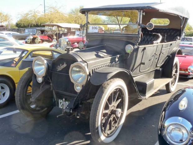 1915 Packard 1-35 Twin Six 7-Passenger Touring