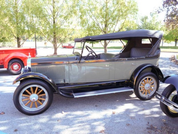 1926 Oldsmobile Model 30-D Touring