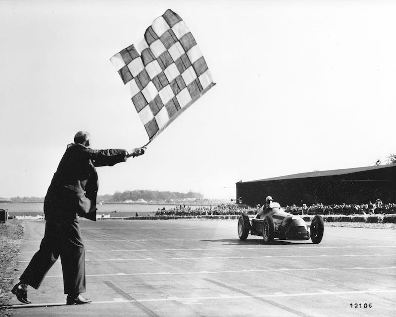 Juan Manuel Fangio in the Alfa Romeo 158 at the Grand Prix of Europe