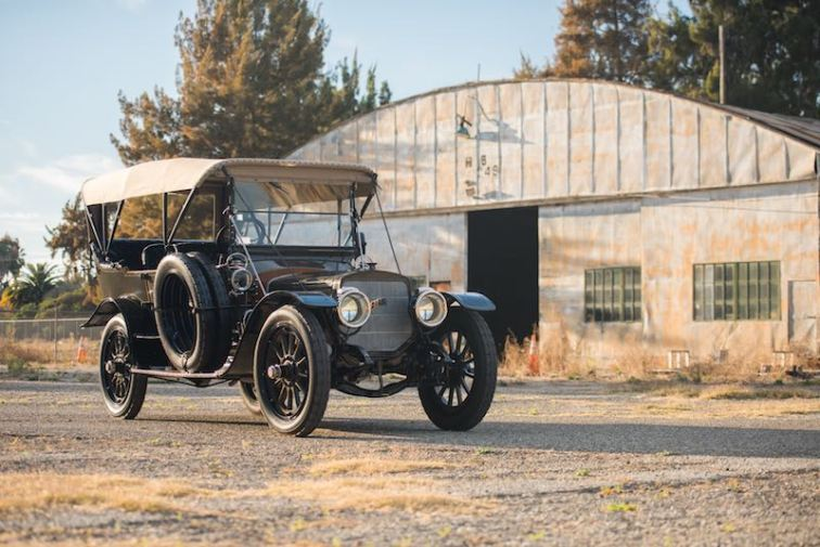 1911 Lozier Model 51 Seven-Passenger Touring (photo: Darin Schnabel)