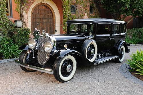 "<strong>1930 Cadillac 452 V-16 Sedan – Estimate $250,000 $300,000.</strong> Attributed to Al Capone, outfitted with 1/4"" steel armour plating and five-ply bullet-resistant glass. Offered without reserve."
