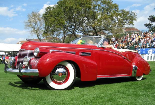 1940 Cadillac 62 Convertible Victoria