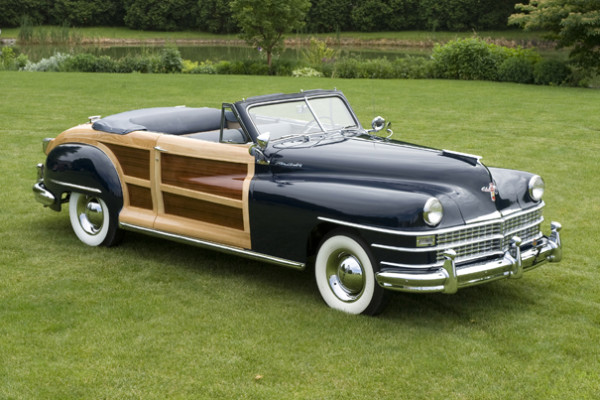 <strong>1947 Chrysler New Yorker Town & Country Convertible – Estimate Unavailable.</strong> Multiple national award winner – Meadow Brook, Ault Park, Glenmoor Gathering, AACA Grand National Senior – is one of only 120 known to survive.