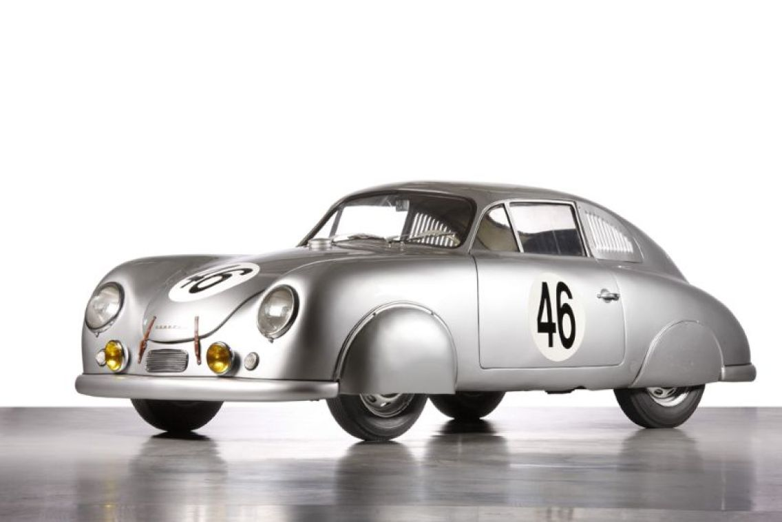 porsche at le mans in the 1950s history photos profile. Black Bedroom Furniture Sets. Home Design Ideas