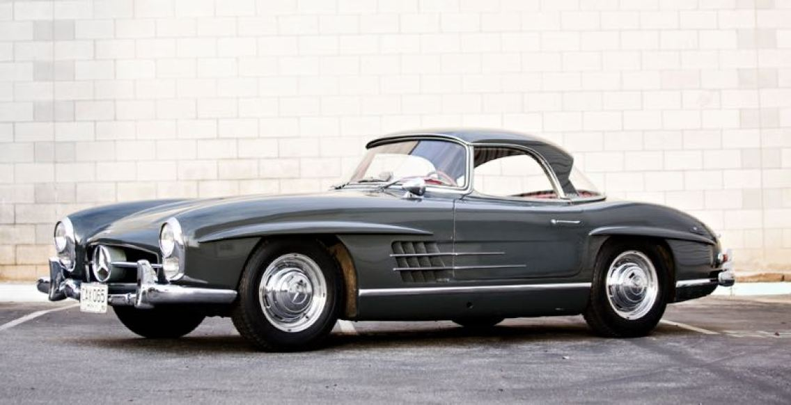 1960 Mercedes-Benz 300 SL Roadster (photo: Brian Henniker)