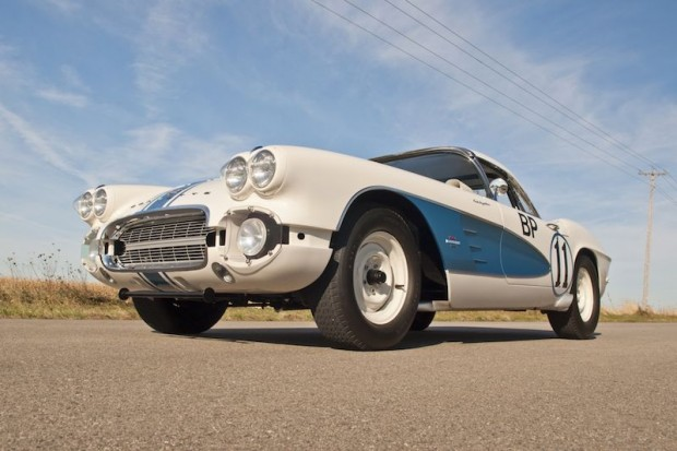 1961 Chevrolet Corvette Gulf Oil Race Car Front Left