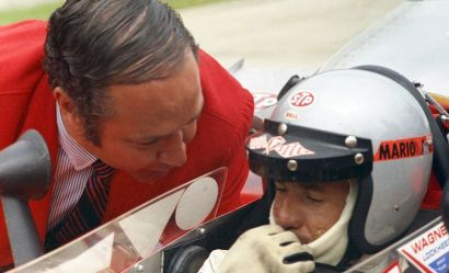 Andy Granatelli talking to Mario Andretti before the 1969 Indy 500