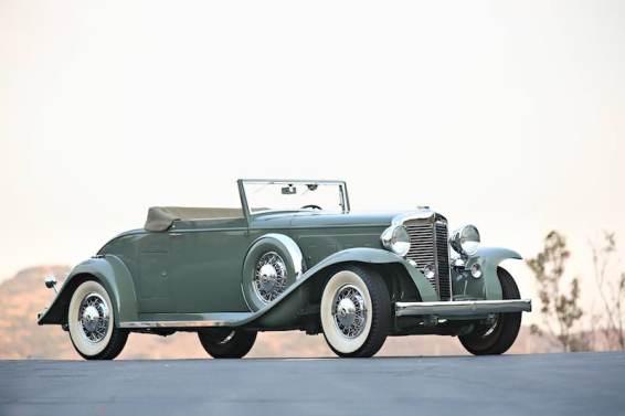 1933 Marmon Sixteen Convertible Coupe (photo: Mathieu Heurtault)