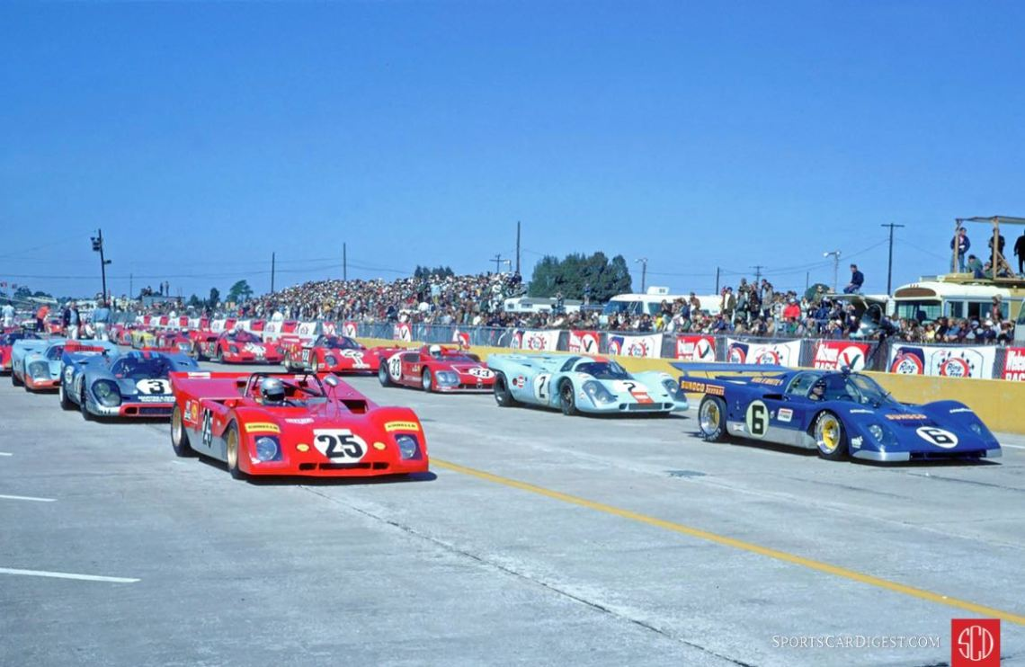 Lined up and ready to race (Photo: SIR Photo)