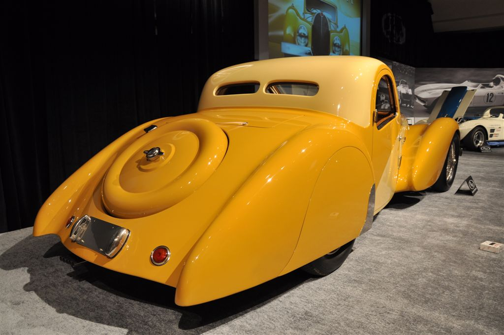 bugatti-type-57sc_rear.jpg