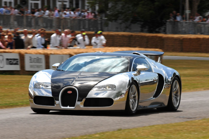 Bugatti Veyron in the Super Car run